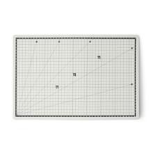 Oboustranná řezací podložka 3 mm 45x30 cm samoregenerující